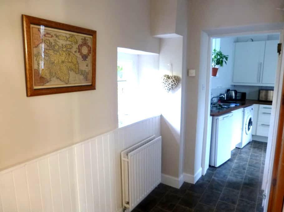 Quaint Victorian Terrace Cottage - Selkirk - บ้าน