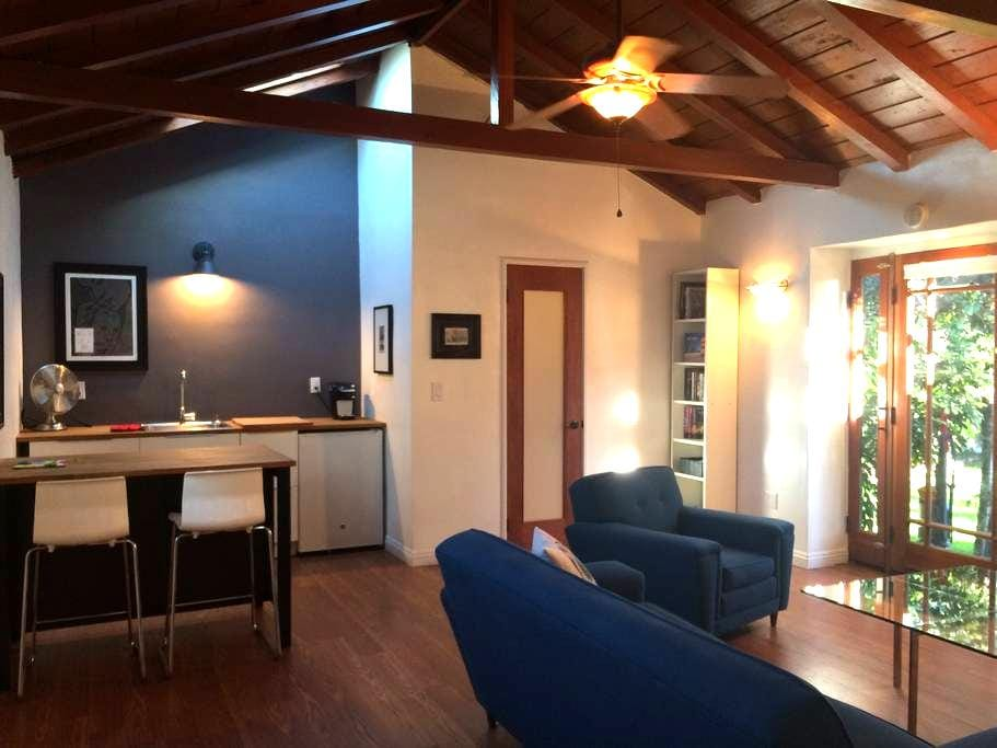 Large Private Burbank Guest House - Burbank - House