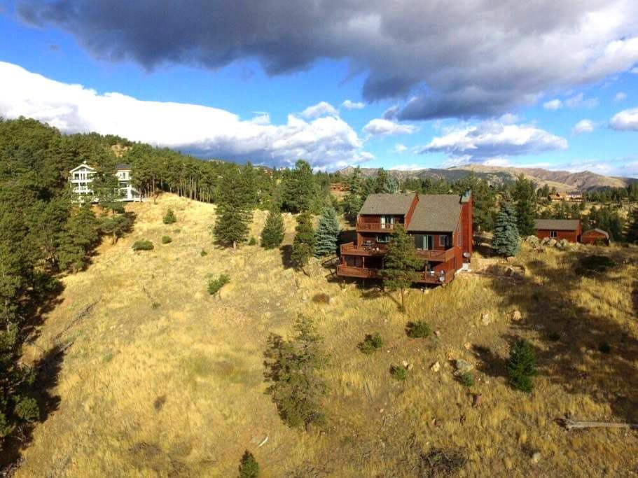 Private Mountain Spa Retreat - Year round sunshine - Boulder