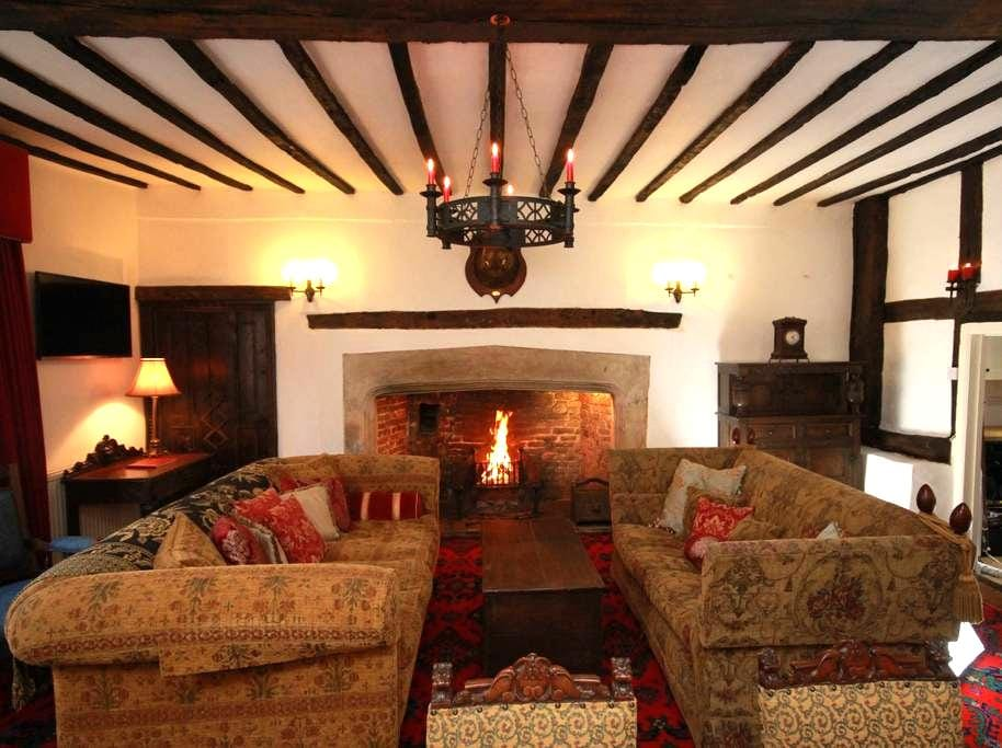 16th Century House in the heart of Old Town Poole - Poole - Hus