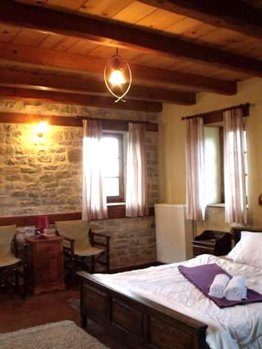 DOUBLE BED ROOM  (no kitchen) - Papingo - Lakás