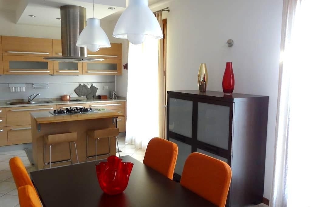 SUNRISE APARTMENT VENICE (80 sq.m.) Free Parking - Venedig - Wohnung