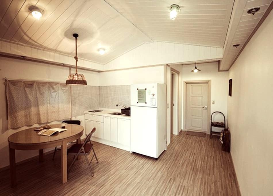 민들레, 속초해수욕장앞 거실이 있는 커플 객실 - Saemaeul 6(yuk)-gil, Sokcho-si