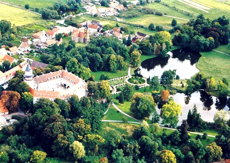 Apartment in heritage castle - Wiesenburg - Apartamento