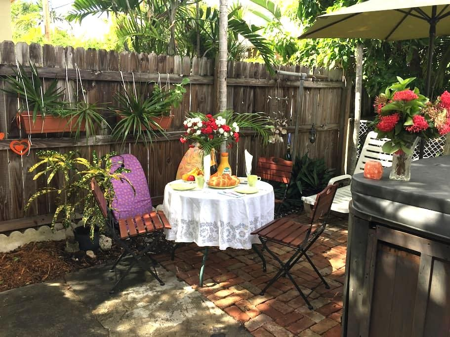 Miami Beach Townhome: Private Room - マイアミビーチ