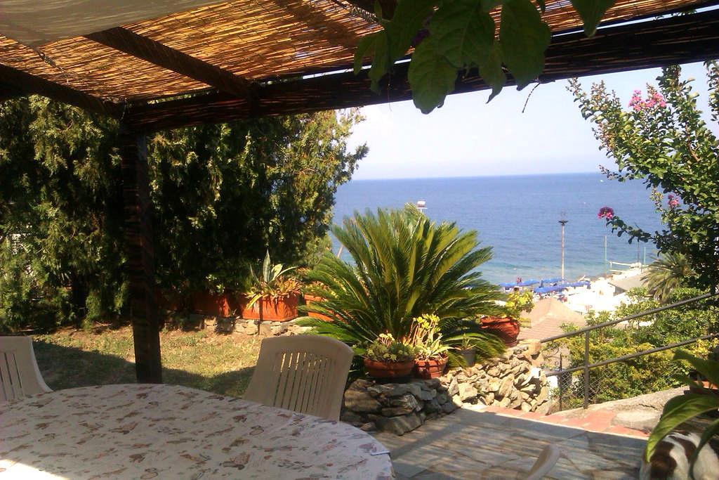 Villetta fronte mare con giardino - Noli - Vila
