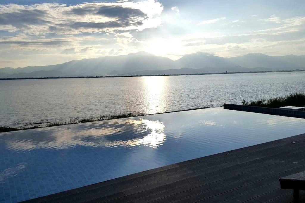 Beautiful Lake Apartment Phayao - Ban Tom - Huoneisto