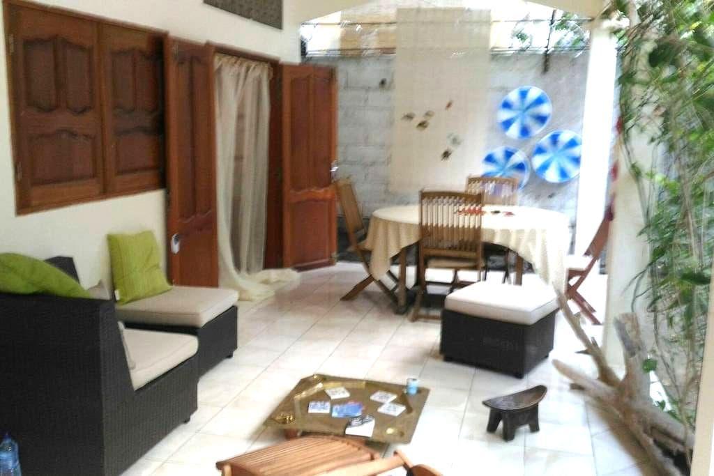 Chambre sur Pamandzi, proche de l'aéroport. - Pamandzi - House