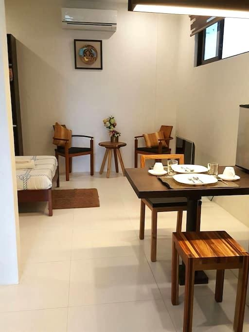 Classy Studio in the City - Bacolod