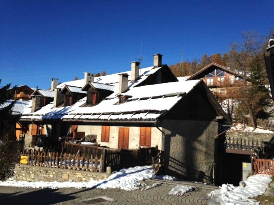 baita rustica in Champlas Seguin - Cesana torinese - Lägenhet