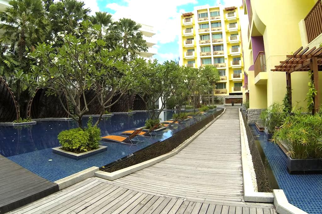 Stylish 2 bedroom, large pool, 100 meters to beach - Tambon Hua Hin - Квартира