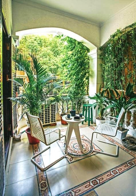 Studio with gorgeous balcony in West Lake - Hanoi - Dom