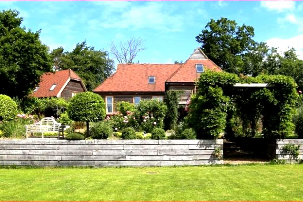 Large Country House for 21 people - Flimwell - Dům