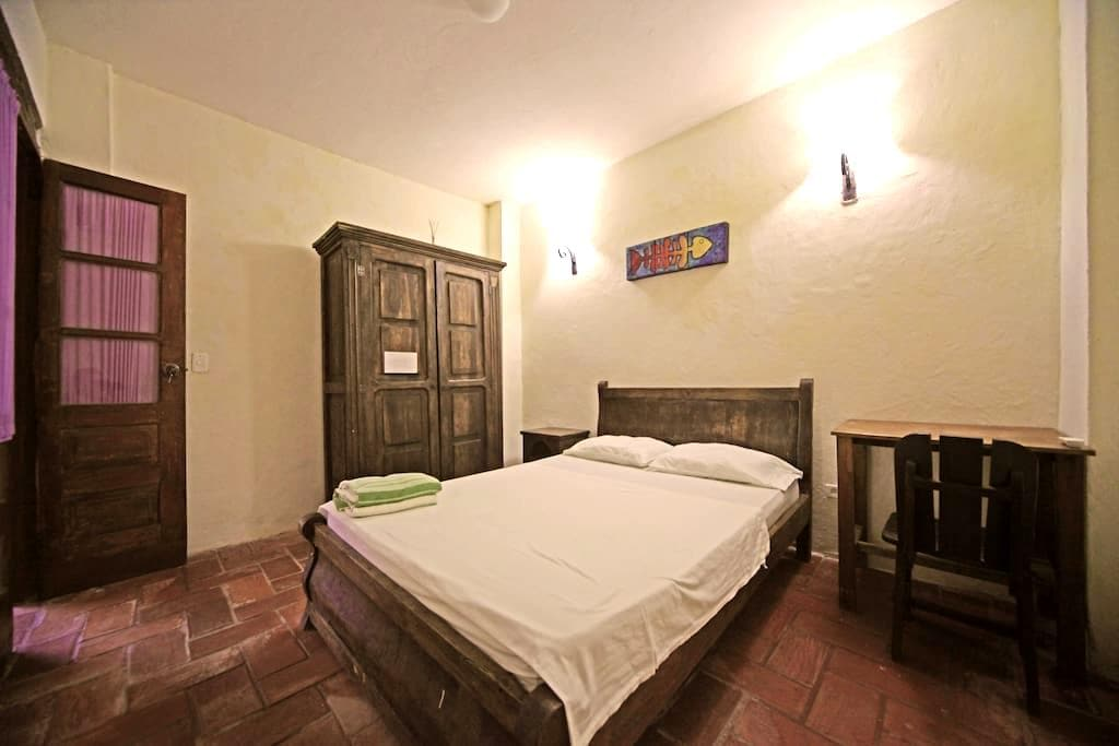 Bedroom with AC in historic center. - Cartagena - Hus