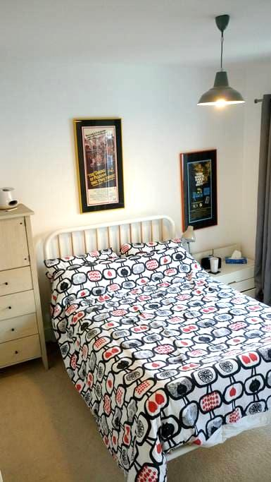Private en-suite double, gorgeous river views - Canterbury - Wohnung