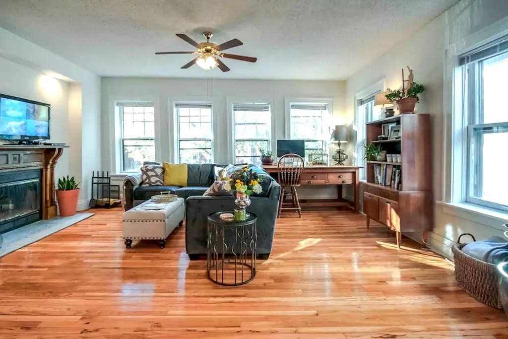 Sunny & Spacious Private Room by ForestPark/WashU - Clayton