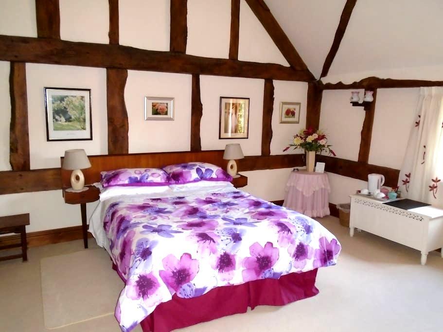 Waterford Lodge with en-suite - Lulsley - Bed & Breakfast