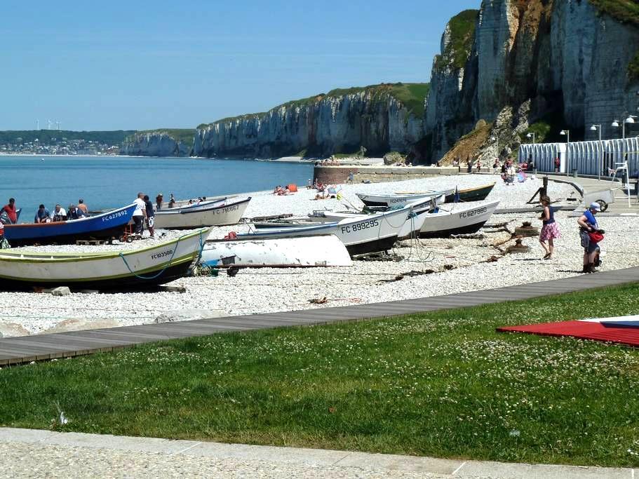 Maison de pêcheur 350 m de la plage. Parking privé - Yport