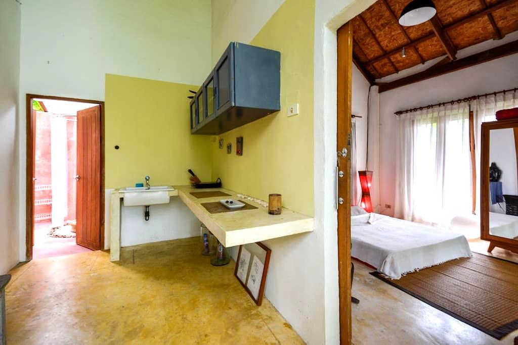 Tewana Home with Balcony - Chalong - House