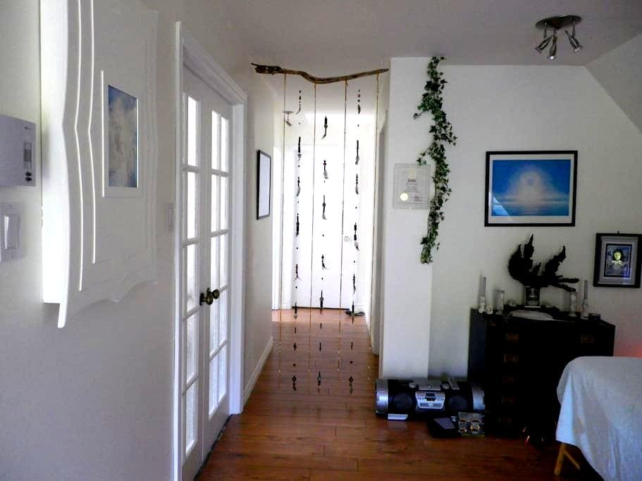 Complete apartment, second floor. - Lac-Beauport