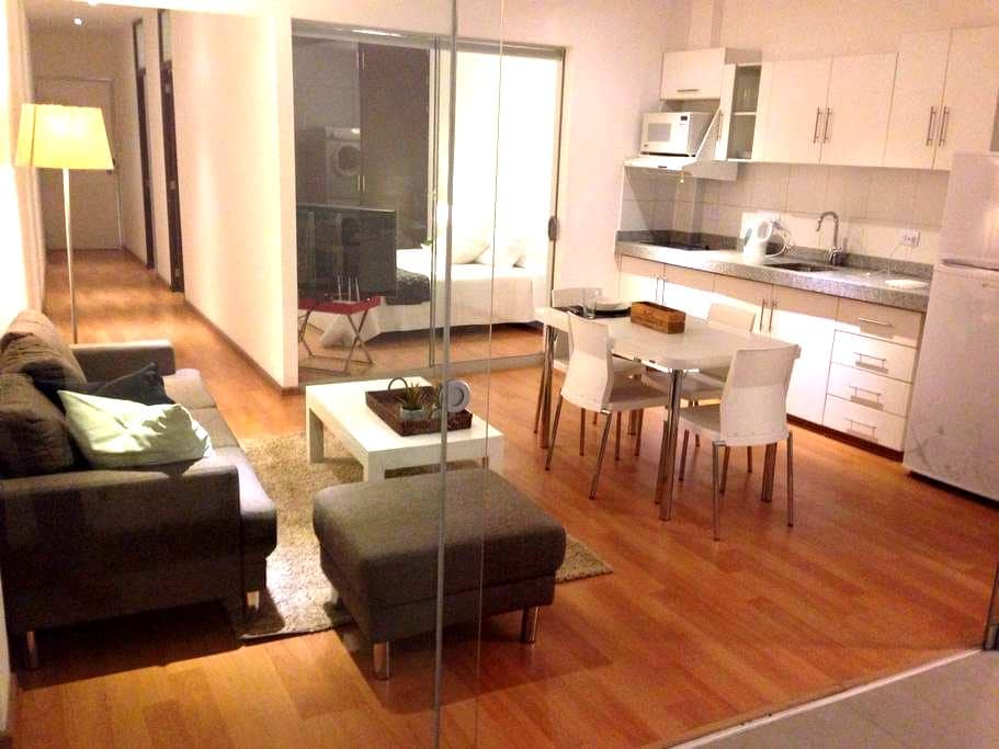 Miraflores Apart # 100 King Bed A/C - Lima - Appartement