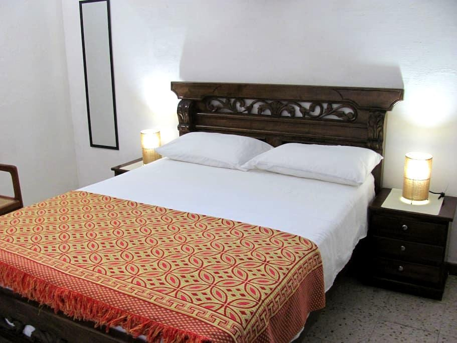 Old city- Great location whole apartment- AC-WIFI - Carthagène - Appartement