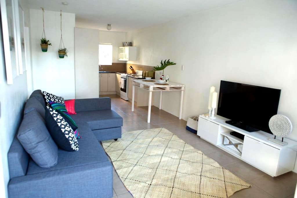 Central Beach Chic Apartment - Port Macquarie - Apartment