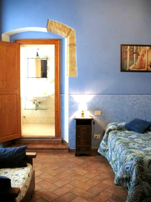 cosy flat 3 people - San Gimignano - Flat