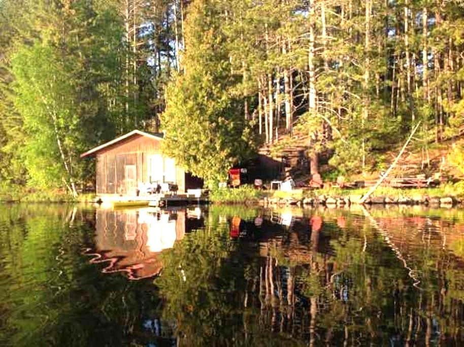 Superior National Forest Lake Cabin. Great Fishing - Isabella - Casa