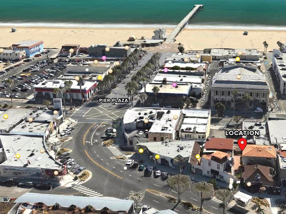 Block From Beach w/ Parking on Pier - Hermosa Beach - House