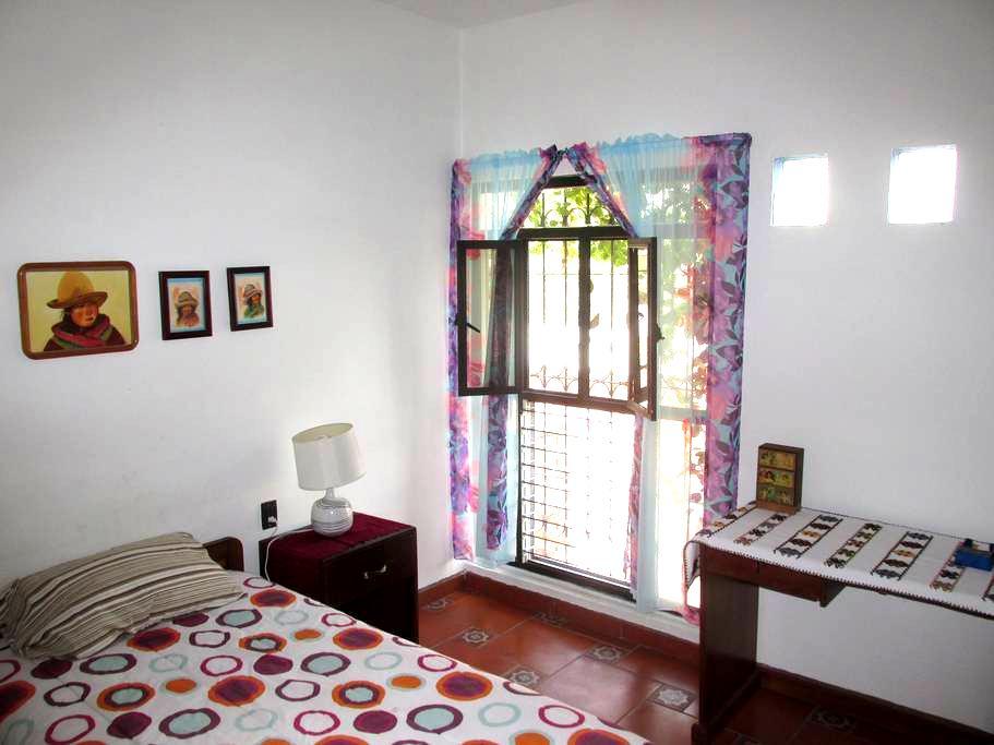 Recámara Individual, Casa Tranquila - Colima - Casa