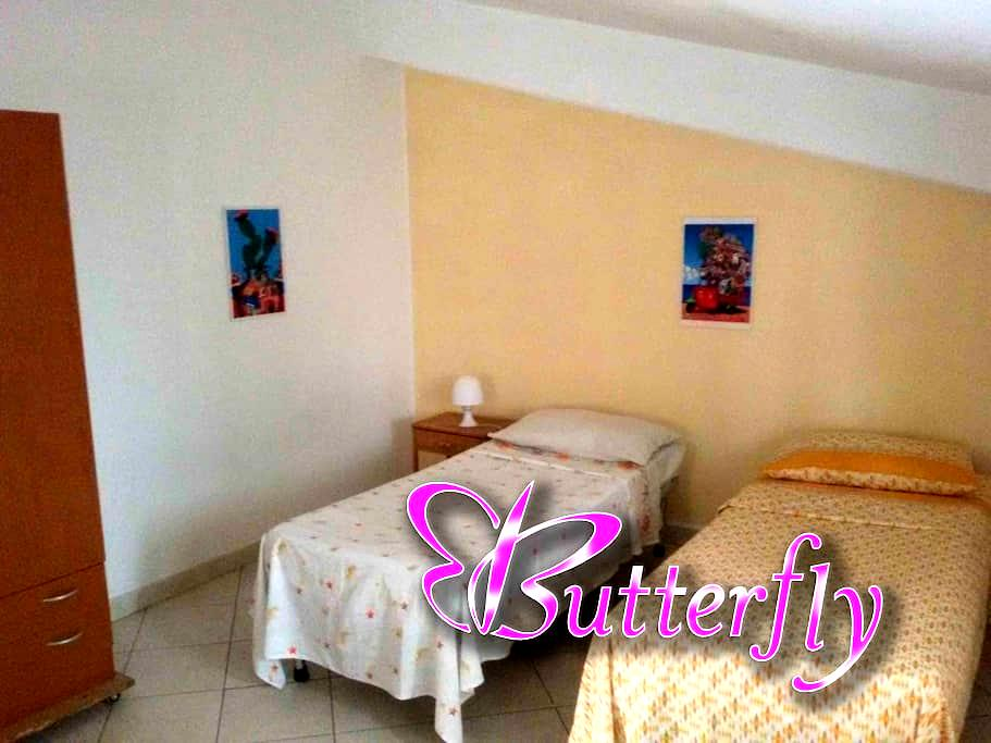 Butterfly Double Bedroom - ปาแลร์โม่ - อพาร์ทเมนท์