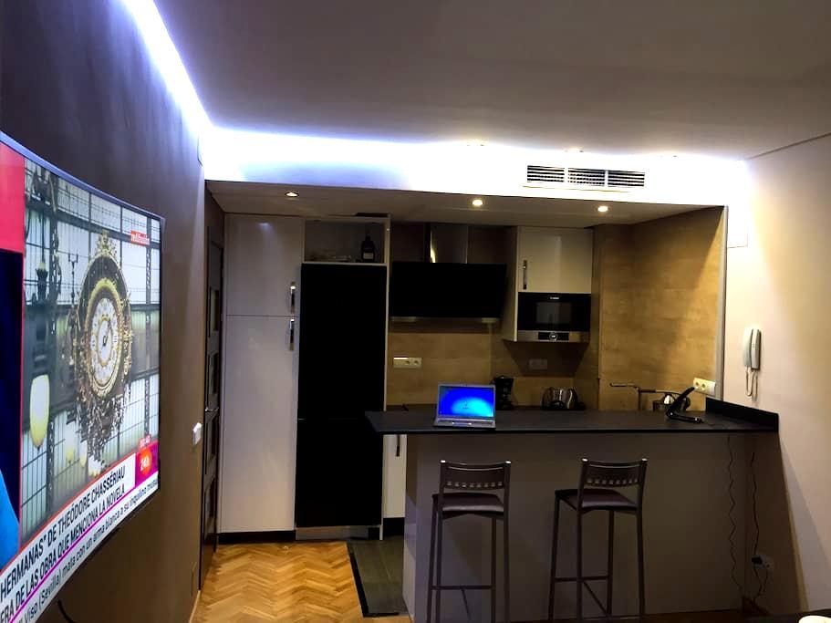 Ap.Lujo| Piscina| Parking| Wifi| Paseo Castellana - Madrid - Apartemen