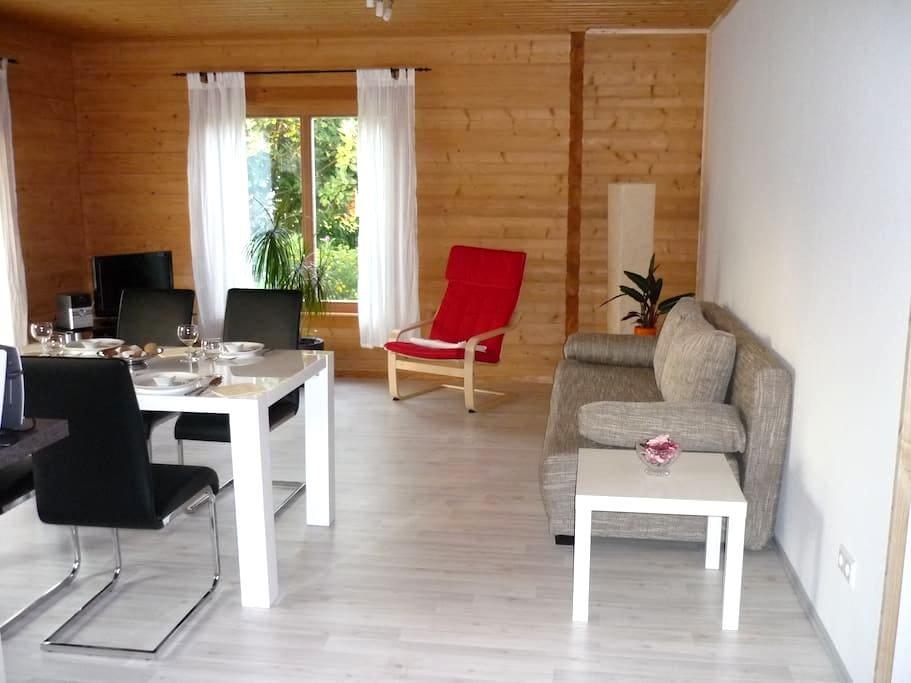 Apartment Limburg im Holzblockhaus - Holzmaden - Flat