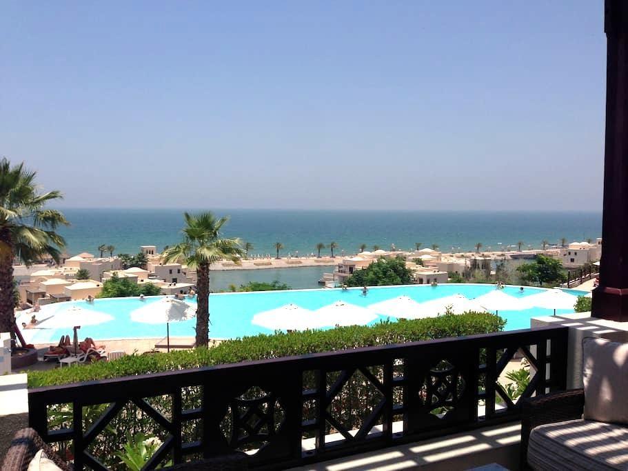 Ras Al-Khaimah: on the beach, peace, tranquility - Ras Al-Khaimah