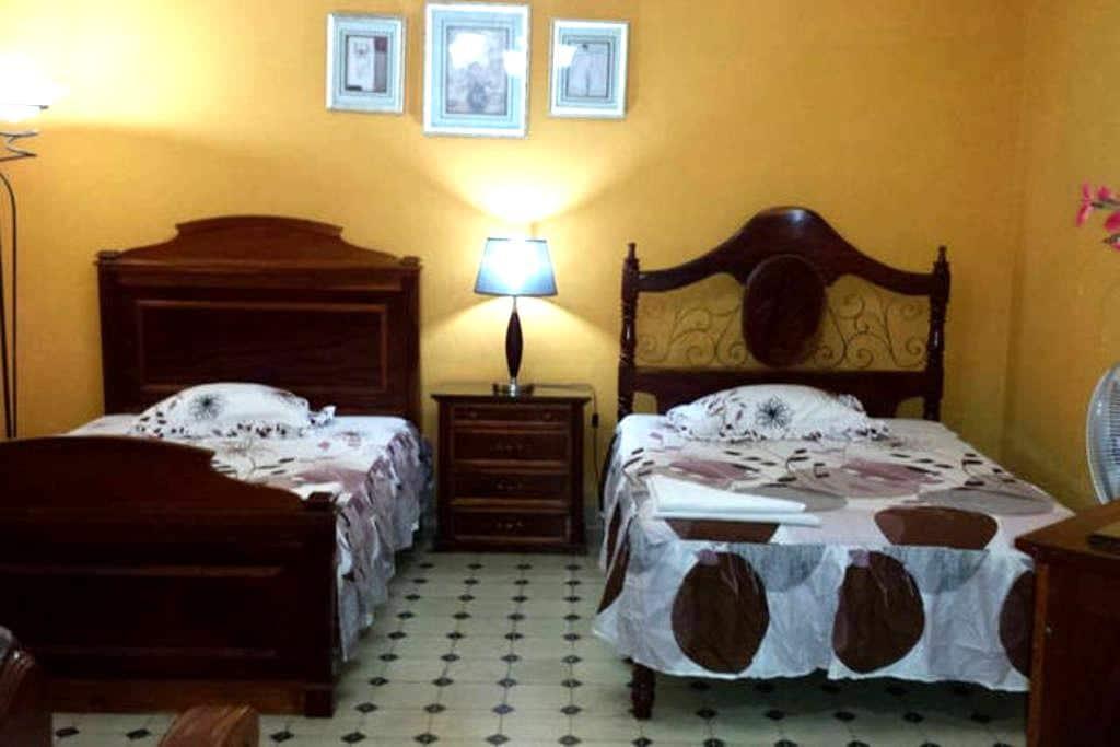 Hostal Boulevard ( Suite Junior ) - Sancti Spíritus - Apartment