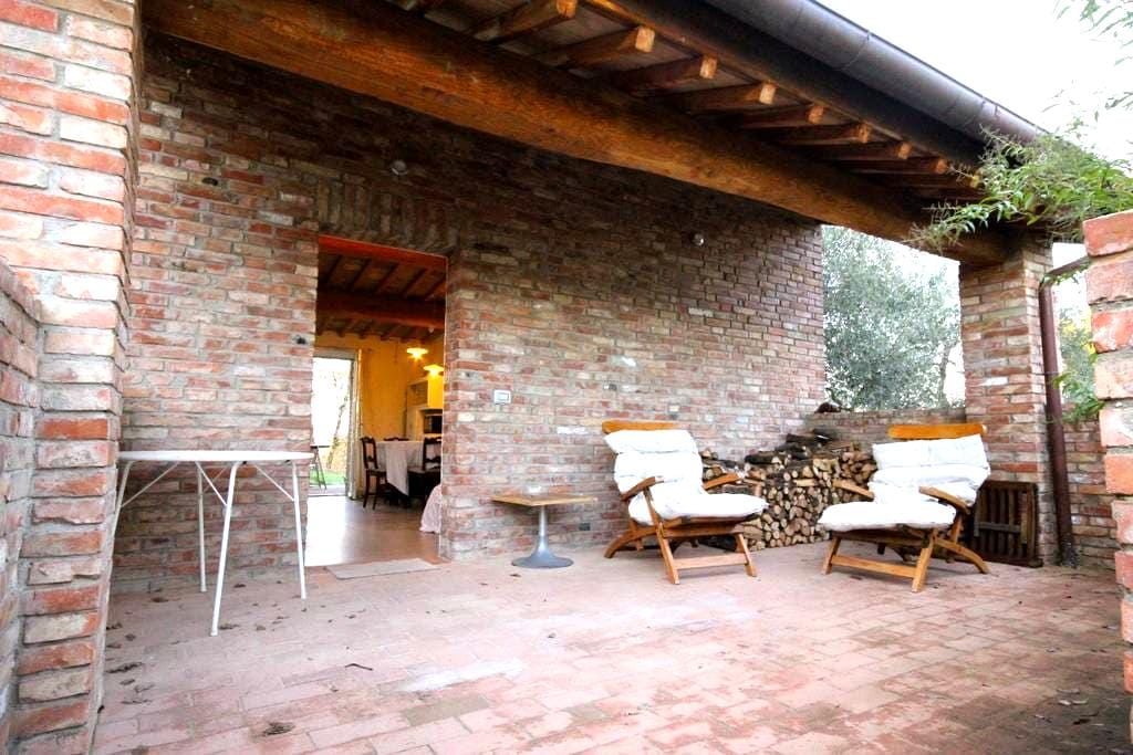 Little heaven on the hills - Siena - House