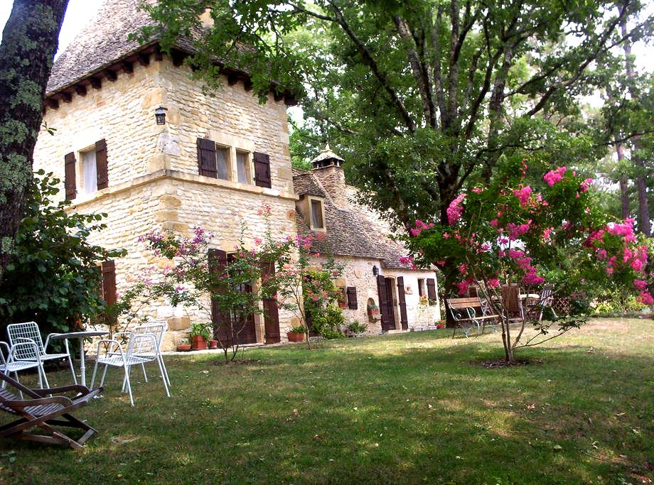 Fairytale , gorgeous views, garden, heated pool - Auriac-du-Périgord