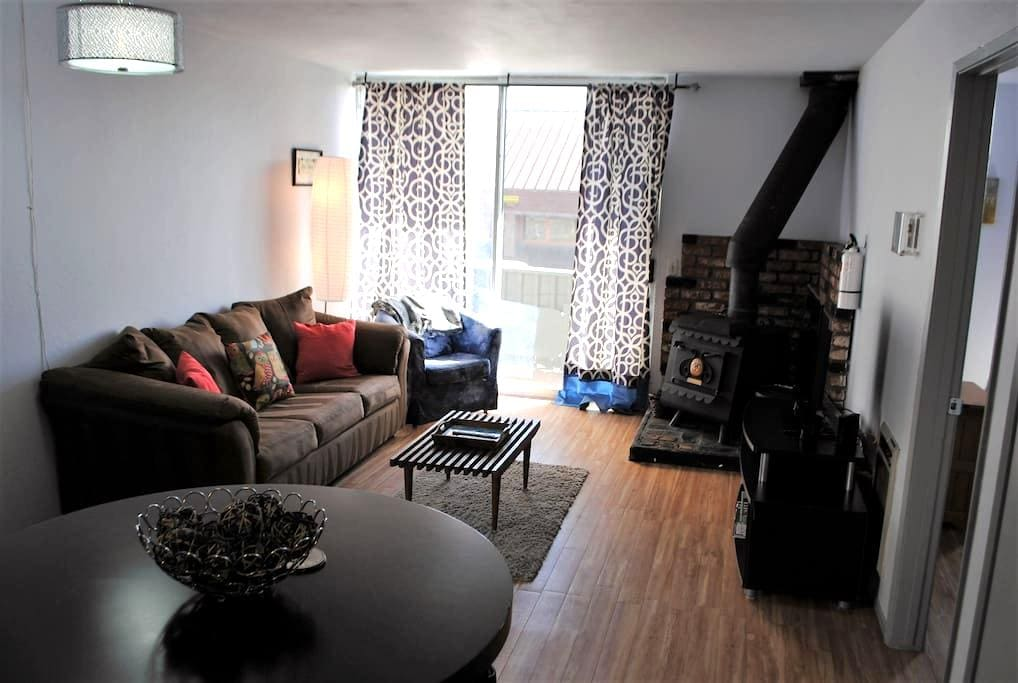 Comfy Modern Mountain Condo - Mammoth Lakes - Wohnung