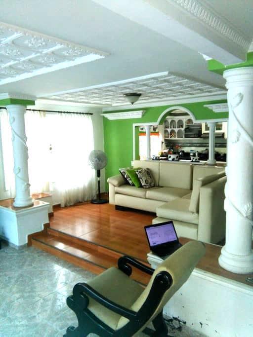 Habitación acogedora-toda la casa a tu disposición - Cartagena - House