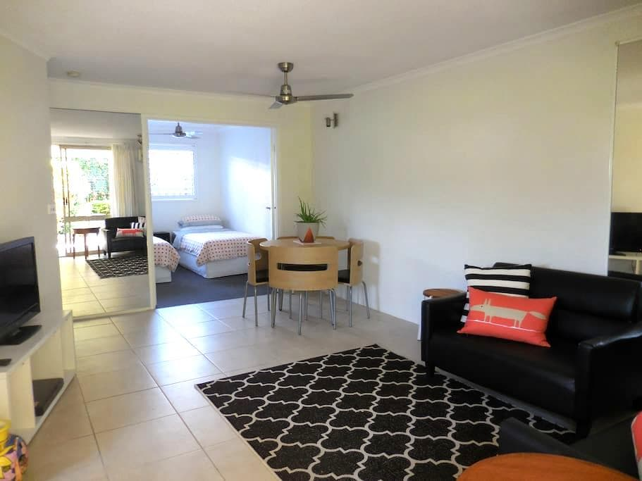 Stylish unit, ideal river location - Noosaville - Appartement