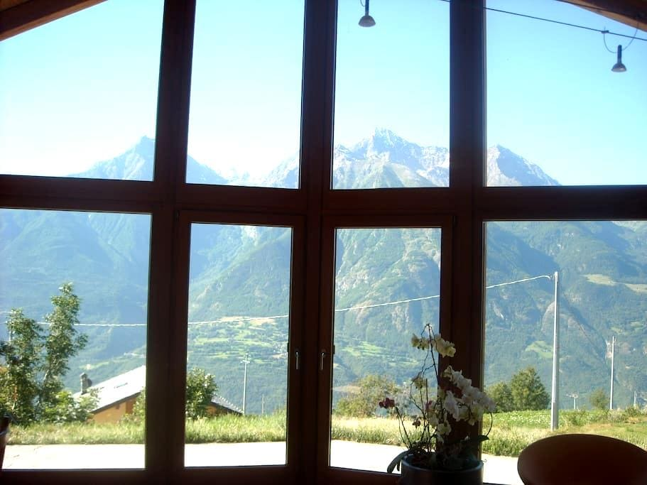House with a View - Morgonaz - กระท่อม