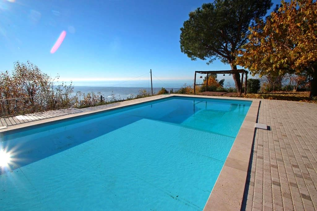 Villa for 11 People with Pool and Sea View - Strettoia