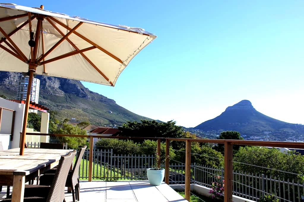Beautiful 3 Bedroom Vredehoek Home - Kapstaden - Hus
