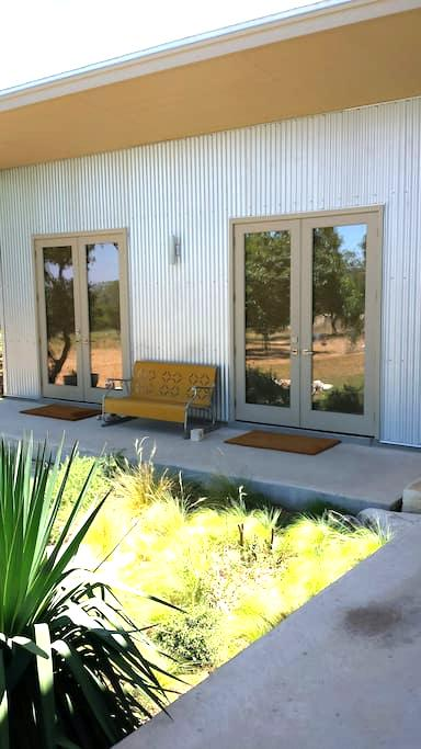 La Paloma in the Hill Country II - Comfort - Pension