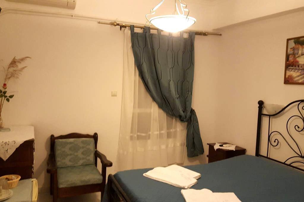 Δίκλινο Δωμάτιο με διπλό κρεβάτι!!! - Chora