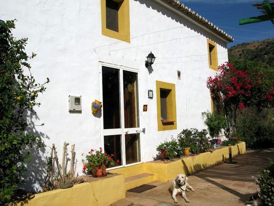 Rural bedroom in Malaga - Casabermeja - House