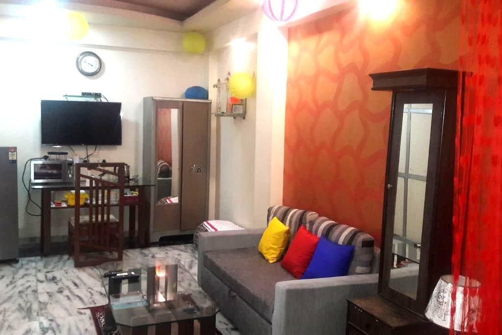 PRIVATE ROOM IN ANDHERI WEST ..FOUR BUNGLOWS - 孟買 - 獨棟