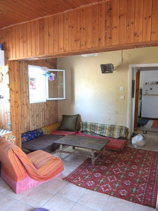 cozy and tranquil house, the green red room - Mitzpe Ramon - Casa