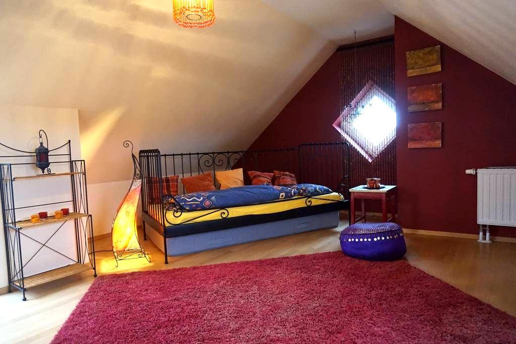 bright roof room - oriental style - Aschaffenburg